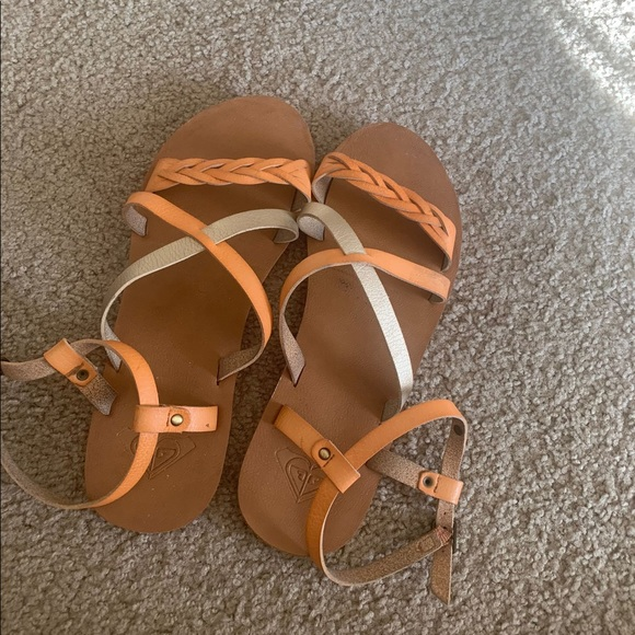 Roxy sandals.